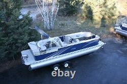 New 26 ft triple tube pontoon boat with 200 hp and trailer